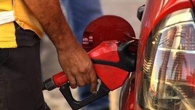 Confira dicas de especialista para economizar combustível - Os motoristas reclamam o impacto do aumento no preço dos combustíveis.