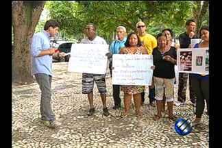 Quadro 'Desaparecidos' mostra novas histórias ao vivo da Praça da República, em Belém - Familiares procuram por parentes com quem perderam o contato.