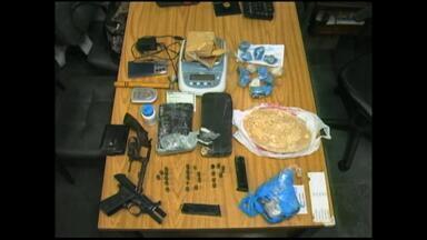 Casal é preso por tráfico de drogas em Rio Grande, RS - Assista ao vídeo.