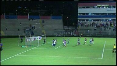 Foz abre placar contra Paraná Clube - Ícaro é o autor da cabeçada.