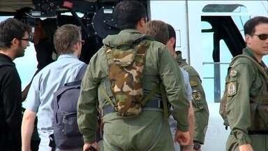 Peritos da França chegam à Argentina e avaliam causas do acidente que matou três atletas - Choque entre aeronaves que levava atletas 'e o foco.