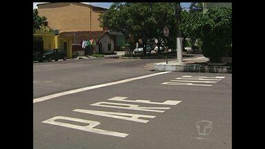 Travessa Moraes Sarmento passa a ser mão única a partir de 20 de março - Trânsito seguirá da Av. Bartolomeu de Gusmão em direção à Av. Rui Barbosa. Mudança faz parte do projeto de melhoria do trânsito na cidade.