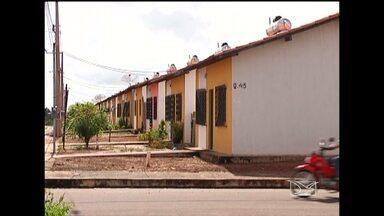 Procuradoria da República vai investigar irregularidades em construção em Bacabal, MA - A construtora responsável pelas obras, enviou uma nota com esclarecimentos sobre a situação das casas, que estão com os esgotos estourados.