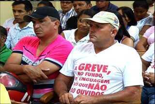Servidores estão em greve há mais de 15 dias, em Juazeiro do Norte - Escolas municipais estão fechadas e somente 30% dos agentes comunitários estão trabalhando.