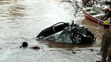 Caminhão que jogou carro em rio e matou 4 trafegou a 160 km/h, em GO - Segundo delegada, velocidade máxima permitida na GO-020 é de 80km/h. Veículo teve a traseira atingida, quebrou mureta e caiu no Rio Meia Ponte.