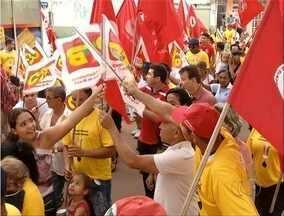 Manifestantes se reúnem na região sul da capital em apoio à Petrobras - Manifestantes se reúnem na região sul da capital em apoio à Petrobras