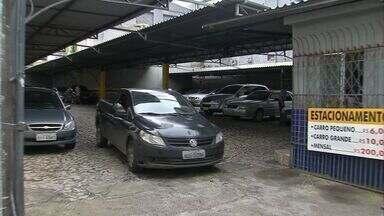 Parte dos estacionamentos ainda descumpre lei de horário fracionado em Fortaleza - Lei obriga que estabelecimentos ofereçam serviço em valores fracionados.