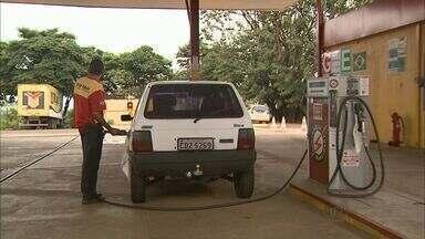 Concorrência entre postos muda os preços dos combustíveis em Franca - Uma pesquisa do Procon mostra que a diferença pode passar de quinze por cento.