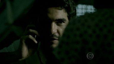 Zé Pedro ameaça matar Cristina - Zé Alfredo é chantageado pelo filho