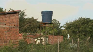 Moradores de comunidade em Paço do Lumiar reclamam da falta atenção do Poder Público - Moradores de comunidade em Paço do Lumiar reclamam da falta atenção do Poder Público.