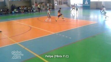 Felipe, do Fênix F.C, faz gol após jogada individual - Jogada concorre ao 'Gol mais bonito' da Copa Rede AM de Futsal.