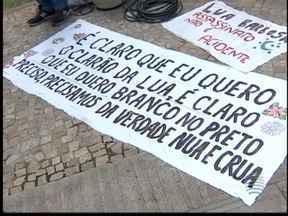 Parentes e amigos de Luana Barbosa fazem manifesto em Pres. Prudente - Protesto foi feito em razão da absolvição de policial militar.