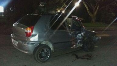 Batida entre carros deixa feridos em Poços de Caldas - Batida entre carros deixa feridos em Poços de Caldas