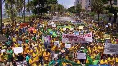 Domingo é marcado por protestos na Zona Sul do Recife - No início da noite, um panelaço foi registrado na mesma área.