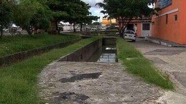 Prefeitura realiza limpeza de canais - Prefeitura realiza limpeza de canais.