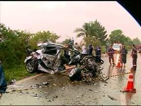 Fim de semana de mortes no trânsito - Três pessoas morreram e uma está em estado grave.