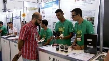 Crise hídrica é tema de trabalho de estudantes em feira de ciências em SP - A escassez de água em alguns dos maiores centros urbanos do Brasil inspirou a criatividade dos estudantes que participam de uma feira de ciências e engenharia, em São Paulo.