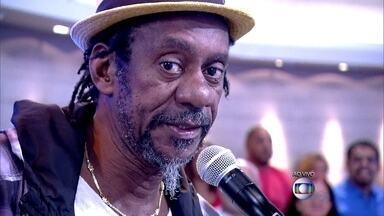 Luiz Melodia canta 'Pérola Negra' - Cantor abre o Encontro com sucesso da carreira