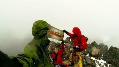 Clayton Conservani conquista o topo da Oceania ao lado de montanhistas experientes - Repórter teve a companhia de Marlus Werneck e Pepe Jijón no desafio.