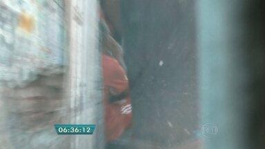 Polícia apreende heroína com traficantes da região da Cracolândia - Se já não bastasse o terror do crack na Cracolândia, a polícia apreendeu pela primeira vez heroína com traficantes na região. Para os policiais, os traficantes estão vendendo a droga no Brasil em vez de levar o entorpecente para os Estados Unidos e para a Europa.