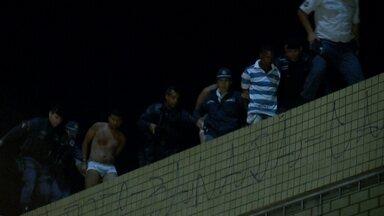 Sauna gay na 503 Sul é assaltada - Na noite de quarta-feira (26), quatro bandidos e dois adolescentes renderam cerca de 50 pessoas que estavam no local. Quando a polícia chegou, os criminosos tentavam fugir pelo telhado.