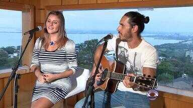 Dupla Claus e Vanessa fazem homenagem a Porto Alegre - Músicos têm carinho especial pela cidade.