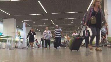 Cancelamentos de voos estão entre reclamações de consumidor - Problema cresceu nos últimos anos e cliente deve ficar atento aos seus direitos.