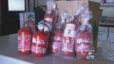 Obrigatoriedade do uso de extintor ABC é adiada para mais 90 dias pelo Detran - A falta do equipamento nas lojas foi motivo para adiar mais uma vez o prazo.