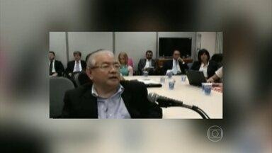 Polícia Federal prende mais dois investigados na Operação Lava Jato - Já estão na carceragem da Polícia Federal, em Curitiba, os dois novos presos da Operação Lava Jato, entre eles o presidente da Galvão Engenharia, acusado de pagar propina no esquema de corrupção da Petrobras.