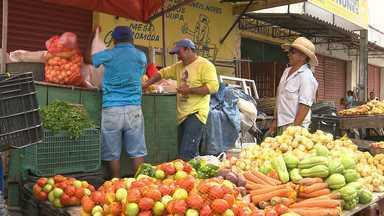 Produtos na Feira Central de Campina Grande estão mais caros - Quem comprou peixe antecipadamente garantiu desconto.
