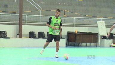 Caramuru se prepara para estreia na chave ouro do Campeonato Paranaense de Futsal - Time de Castro vai enfrentar a equipe do Cascavel, na quarta-feira