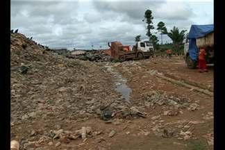 Em Altamira, aterro sanitário pode estar poluindo comunidade rural - Denúncias foram feitas ao Ibama, MPF e a Secretaria de Meio Ambiente. Secretaria de Meio Ambiente disse que está fazendo correções no projeto.