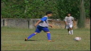 Clube de Uruguaiana, RS, organiza peneirão para vaga do time - A oportunidade de participar do Gauchão sub-15 levou diversos jovens à seleção.