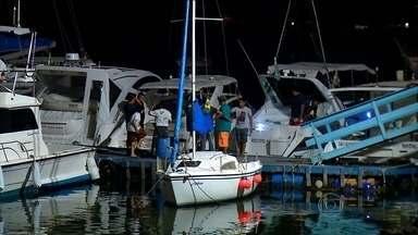 Uma pessoa morreu e outra está desaparecida após um barco afundar em praia de Natal - Um barco com seis pessoas à bordo afundou na praia do Forte. Quatro pessoas foram resgatadas. Elas disseram que o barco batei nas pedras. O corpo de uma senhora de 73 anos foi encontrado nesta manhã de sexta-feira (3).