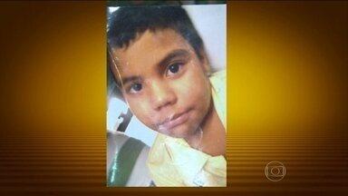 PM começa série de operações para conter a violência no Alemão, no Rio - A guerra no Complexo do Alemão tirou mais uma vida. Um menino, de 10 anos, morreu depois de ser baleado. Foi a quarta vítima em pouco mais de 2 horas.