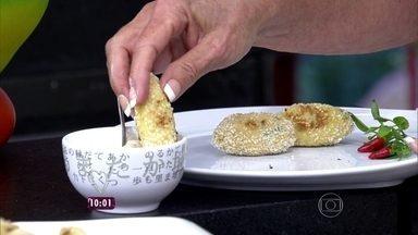 Bolinho de bacalhau - Receita não leva batata e tem raiz forte na composição