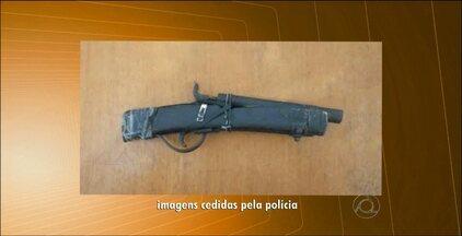 Criança de 9 anos é apreendida por assalto em Nova Floresta, na Paraíba - O menino estava acompanhado por um adolescente e com eles foi apreendido uma arma de fabricação caseira.