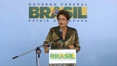 Dilma Rousseff diz que a Petrobras já se livrou dos funcionários corruptos - Em uma entrevista ao canal espanhol da CNN, a presidente Dilma Rousseff disse que tem certeza absoluta de que a campanha dela não recebeu dinheiro de suborno. A presidente disse que a Petrobras tirou os funcionários corruptos da empresa.