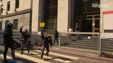 Tiroteio em tribunal de Milão deixa três mortos e dois feridos - Três pessoas morreram e uma ficou ferida num tribunal em Milão, na Itália. Um réu sacou uma arma e começou a atirar lá dentro.