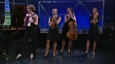 Salut Salon encerra programa de quinta-feira falando sobre projeto social - Quarteto alemão apresenta mais um número musical