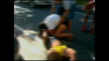 Brigas e uso de drogas são comuns em saídas de festas em Rio Grande, RS - Imagens foram gravadas por volta das 7h da manhã.