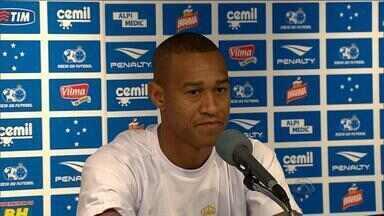 Lateral Fabrício pede desculpas para Inter - Jogador se despediu dos colorados.