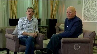 Serginho Groisman entrevista o fotógrafo Sebastião Salgado - Apresentador exibe a primeira etapa do bate-papo