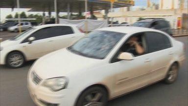 Redação Móvel mostra o trânsito caótico de Águas Claras - A equipe da Redação Móvel foi até a EPTG. Os motoristas denunciam a situação que acontece todos os dias. Quem vive na cidade conta porque resiste aos problemas urbanos.