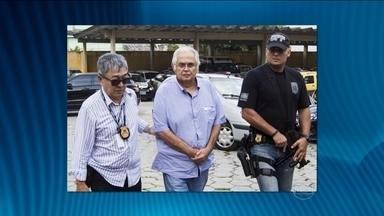 Ex-deputado Pedro Corrêa, que cumpre pena em Pernambuco, é levado ao Paraná - Ele é um dos sete presos da 11ª fase da Operação Lava Jato. Corrêa é suspeito de receber mesadas do doleiro Alberto Youssef e do ex-diretor da Petrobras, Paulo Roberto Costa.