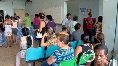 Pacientes reclamam da demora no atendimento em hospitais de São José, SP - Nesta segunda-feira (13), algumas pessoas relataram até oito horas de espera.