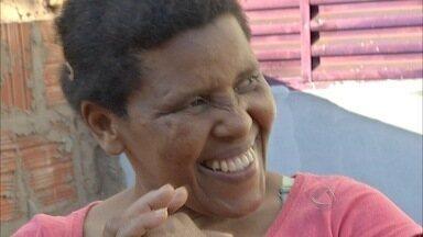 Morre mulher mantida em cárcere pelo marido por 20 anos em MS - Cira Igino da Silva, de 45 anos, descobriu que tinha câncer há três meses. Ela saiu do cárcere em dezembro de 2013, após denúncia.