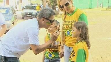 Manifestantes voltam às ruas contra a presidente Dilma e PT, em Rondônia - Cerca de 1.200 pessoas participaram do protesto.