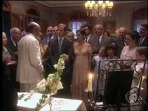 O Rei do Gado - capítulo de sexta-feira, dia 17/04/15, na íntegra - Rafaela e Tavinho se casam