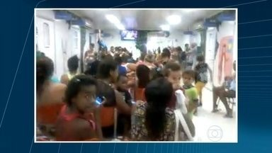 Pacientes reclamam de atendimento em UPAs da Baixada Fluminense - Superlotação, sujeira e falta de médicos são os problemas relatados por pacientes que buscaram atendimento nas Unidades de Ponto Atendimento de Nova Iguaçu, Queimados e Mesquita.